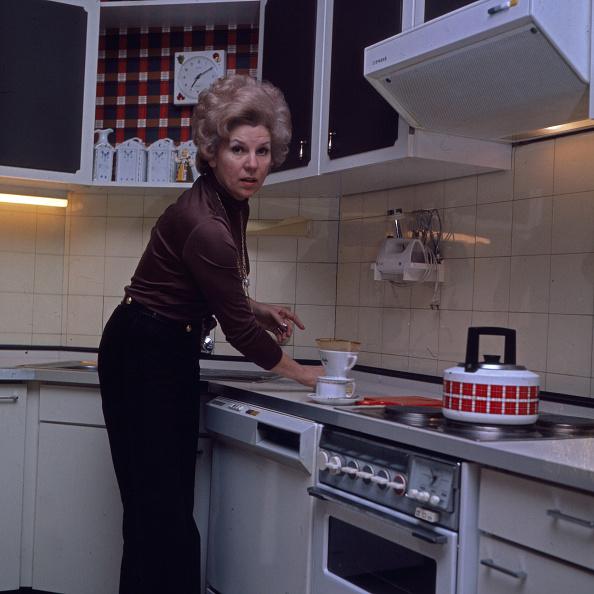 Oven「Anneliese Fleyenschmidt」:写真・画像(5)[壁紙.com]