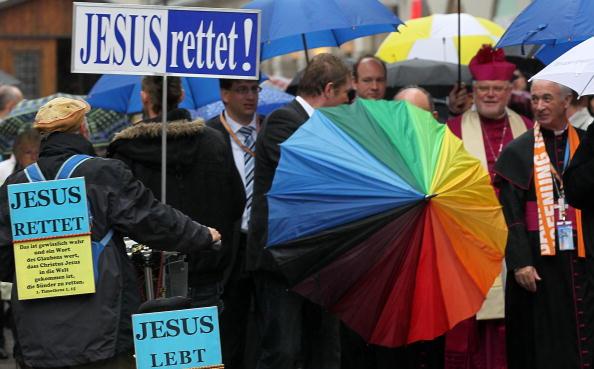 Religious Mass「Thousands Meet For  2nd Ecumenical Kirchentag」:写真・画像(10)[壁紙.com]