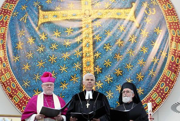 Religious Mass「Thousands Meet For  2nd Ecumenical Kirchentag」:写真・画像(8)[壁紙.com]