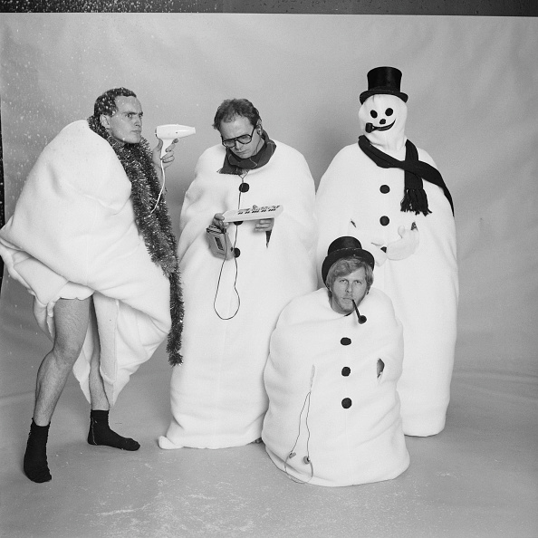 雪だるま「The Snowmen」:写真・画像(12)[壁紙.com]