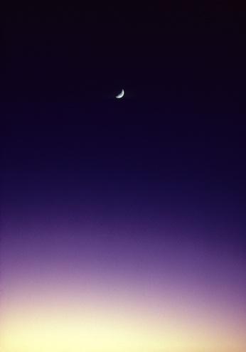 star sky「Darkening sunset sky with crescent moon.」:スマホ壁紙(5)