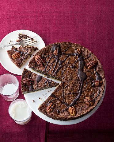 Milk Chocolate「Chocolate pecan fudge tart and milk」:スマホ壁紙(13)