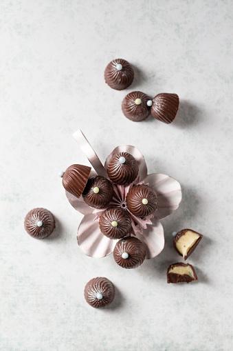 Praline「Chocolate pralines with vanilla ganache」:スマホ壁紙(6)