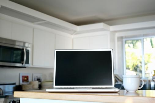 Kitchen Counter「Blank Computer Screen」:スマホ壁紙(4)
