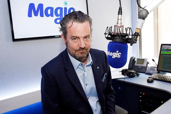 Magic Kingdom「Matthew Perry Visits Bauer Radio」:写真・画像(12)[壁紙.com]