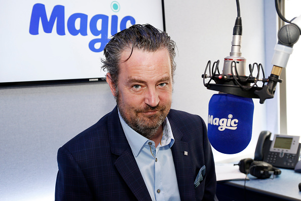 Magic Kingdom「Matthew Perry Visits Bauer Radio」:写真・画像(15)[壁紙.com]
