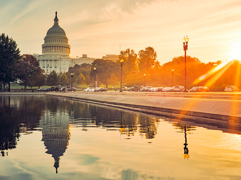 Capitol Hill「Capitol Building and Reflecting Pool in Washington D.C, USA at sunrise」:スマホ壁紙(13)