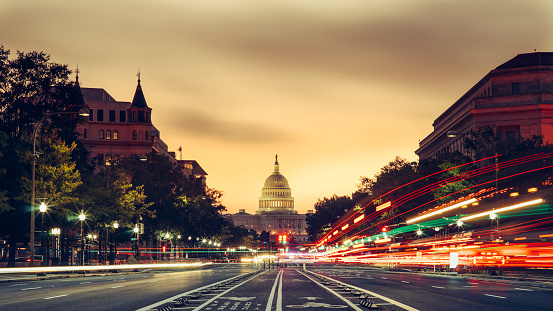 Dividing Line - Road Marking「Capitol Building at sunrise in Washington D.C, USA」:スマホ壁紙(4)