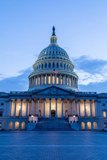Politics「US Capitol Building in Washington DC」:スマホ壁紙(2)