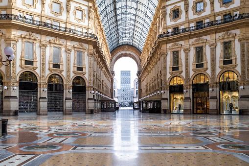 Milan「Italy, Milan, Interior of GalleriaVittorioEmanueleII during COVID-19 outbreak」:スマホ壁紙(15)