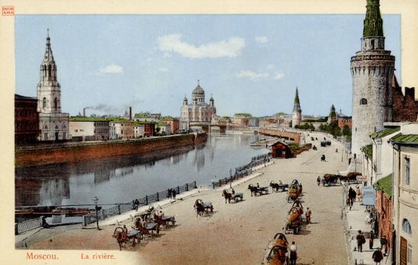 Neva River「Street scene in Moscow by the river Neva, Naberejnaya, early 20th century. Pre-Bolshevik, Pre-Revolution Russia.」:写真・画像(12)[壁紙.com]