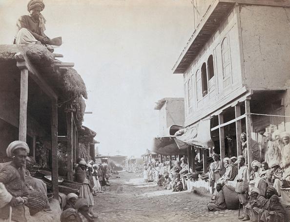 John Burke「Jalalabad Street」:写真・画像(4)[壁紙.com]