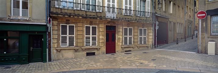 France「Street scene in Metz」:スマホ壁紙(15)