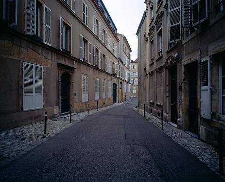 Alley「Street scene in Metz」:スマホ壁紙(5)