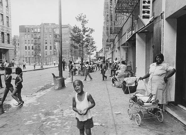 1970-1979「Harlem Street Scene」:写真・画像(13)[壁紙.com]