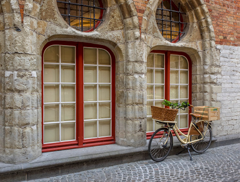 Bicycle「Street Scene in Old Town of Bruges, West Flanders, Bruges, Belgium」:スマホ壁紙(10)