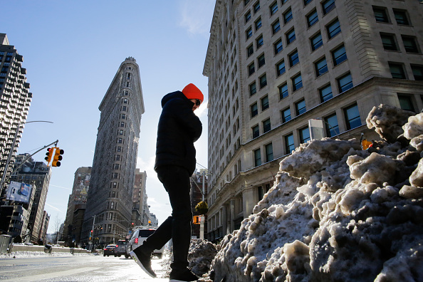 Snow「Frigid Cold Snap Continues In New York City As Temperatures Dip Into Single Digits」:写真・画像(18)[壁紙.com]