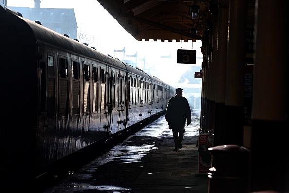 乗り物・交通「The Flying Scotsman Takes To The Tracks Under Steam After An Extensive Restoration」:写真・画像(9)[壁紙.com]