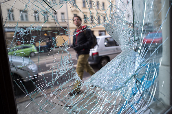 Broken「Aftermath Of Right-Wing Rioting In Leipzig」:写真・画像(9)[壁紙.com]
