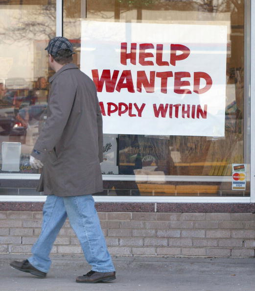 Tim Boyle「Unemployment Slips To 5.9 Percent In November」:写真・画像(11)[壁紙.com]