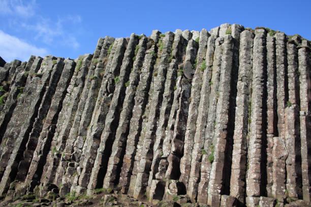 High basalt columns of Giant's Causeway. N. Ireland.:スマホ壁紙(壁紙.com)