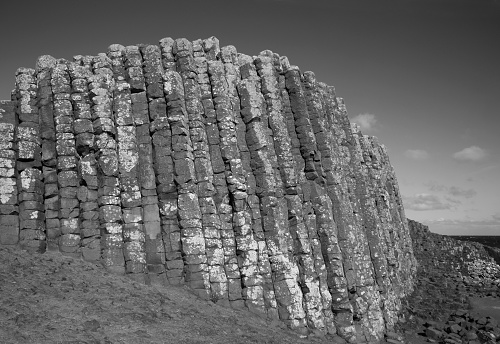 Basalt「High basalt columns in black & white, Giant's Causeway.」:スマホ壁紙(3)