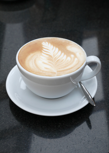 カフェラテ「Cafe latte or flat white coffee on a granite table」:スマホ壁紙(11)