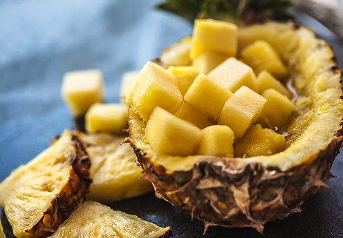 Pineapple「Pineapple smoothie with fresh pineapple on wooden table」:スマホ壁紙(14)