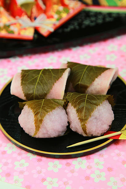 Rice cake wrapped in a cherry leaf:スマホ壁紙(壁紙.com)