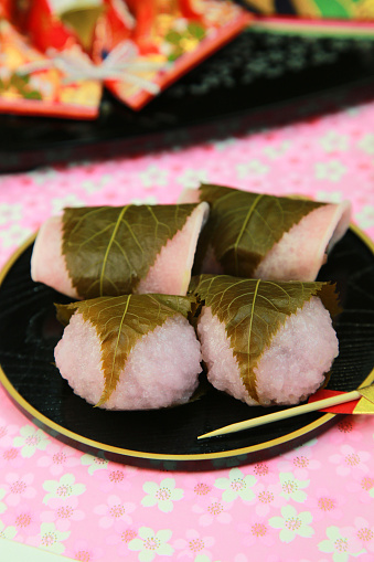 ひな祭り「Rice cake wrapped in a cherry leaf」:スマホ壁紙(4)