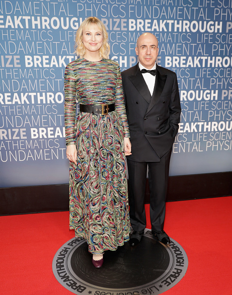 Finding「2019 Breakthrough Prize - Red Carpet」:写真・画像(17)[壁紙.com]