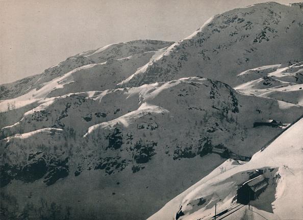 Extreme Terrain「The Reinunga Tunnel On The Bergen Railway」:写真・画像(13)[壁紙.com]