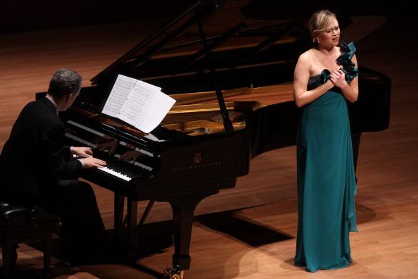 楽器「Deanna Breiwick」:写真・画像(4)[壁紙.com]