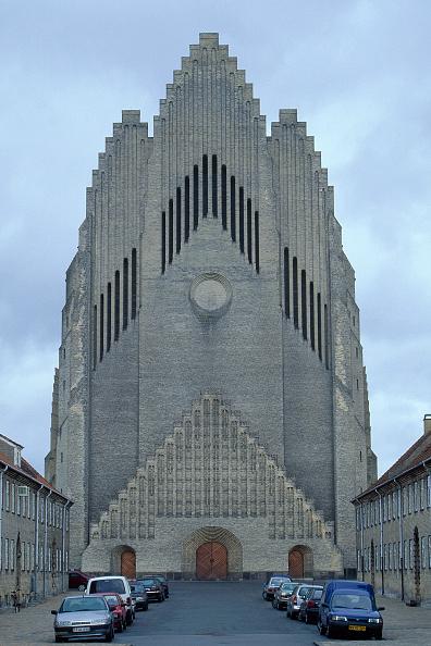 Brick Wall「Exterior of Grundtvig Kirke church.  Copenhagen, Denmark.」:写真・画像(0)[壁紙.com]