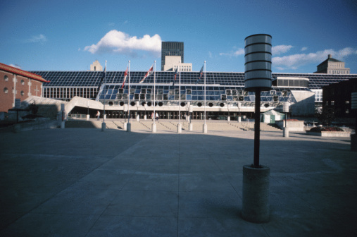 Town Square「Exterior of building in Montreal, Quebec, Canada」:スマホ壁紙(4)
