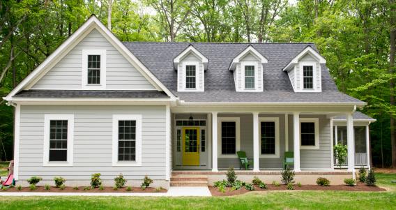 USA「Exterior of New Suburban House」:スマホ壁紙(17)