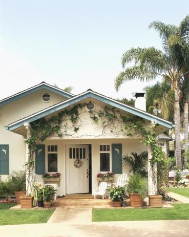 California「Exterior of house , Santa Barbara , California」:スマホ壁紙(2)
