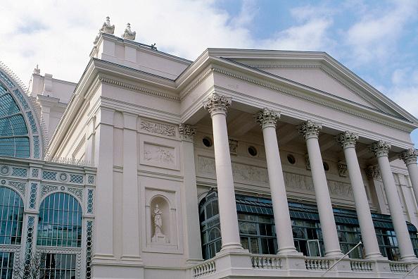 2002「Exterior of Royal Opera House Covent Garden, London, United Kingdom」:写真・画像(9)[壁紙.com]