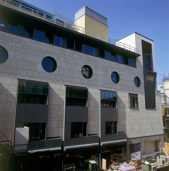 2002「Exterior of Royal Opera House Covent Garden, London, United Kingdom」:写真・画像(4)[壁紙.com]