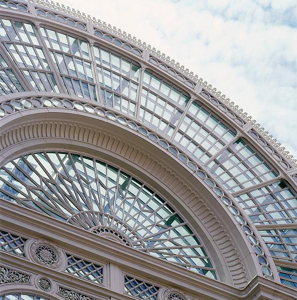 2002「Exterior of Royal Opera House Covent Garden, London, United Kingdom」:写真・画像(15)[壁紙.com]