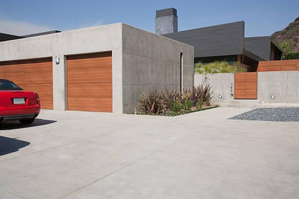 Exterior of modern two-car garage:スマホ壁紙(壁紙.com)