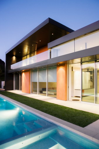 Calabasas「Exterior of modern house, swimming pool」:スマホ壁紙(6)