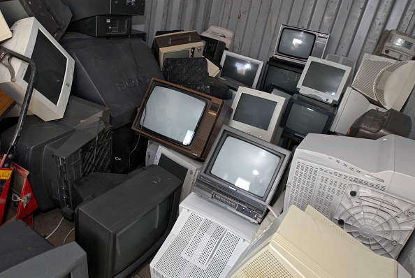 Old-fashioned「Unwanted televisions and computer monitors, Peterborough recycling centre, Cambridgeshire, UK」:写真・画像(16)[壁紙.com]