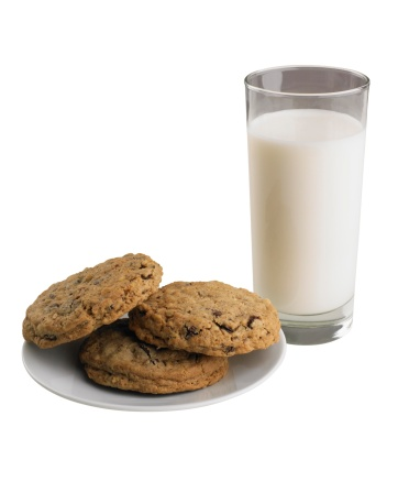 Cookie「A glass of milk and cookies」:スマホ壁紙(14)