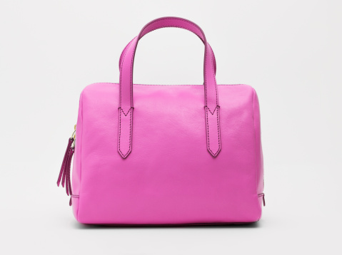 Purse「A pink handbag against a white background」:スマホ壁紙(10)