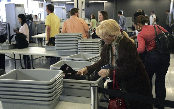 Security「TSA Relaxes Ban On Liquids On Passenger Flights」:写真・画像(19)[壁紙.com]