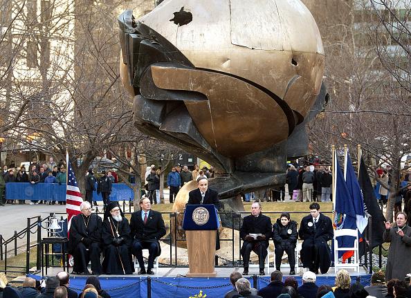 Sphere「New York Marks 6-Month Anniversary of September 11th」:写真・画像(9)[壁紙.com]