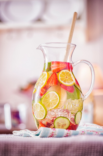 Infused Water「Infused Water with Fresh Strawberries, Lime, Lemon and Basil」:スマホ壁紙(0)