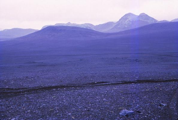 Volcanic Landscape「Black Volcanic Landscape Near Tungnaa River」:写真・画像(0)[壁紙.com]