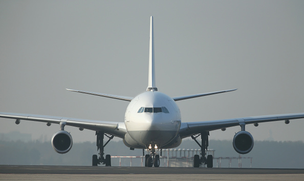 航空機「Germany Presents Ebola Medevac Plane」:写真・画像(6)[壁紙.com]